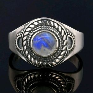 Beautiful silver s925 moonstone ring